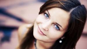 Красивые глаза девушки