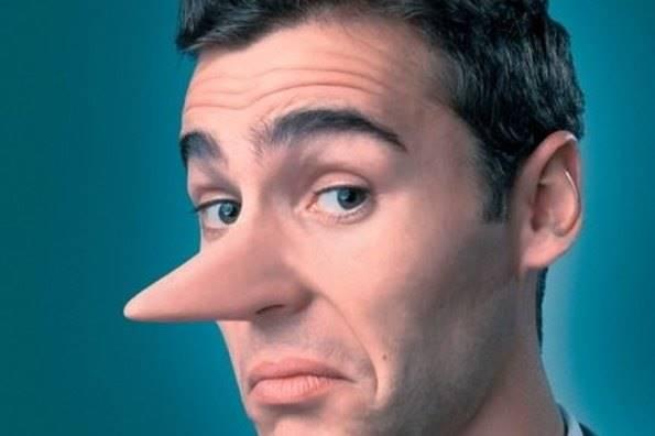 Парень с долгим носом