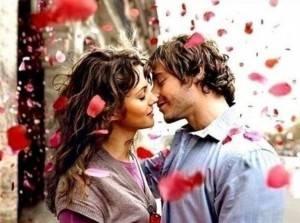 Парень и девушка любят друг друга