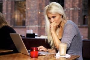 Почему девушка не пишет первой, решения проблемы