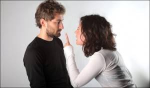Девушка упрекает парня