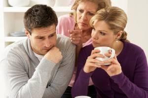 Мужа упрекают мама с женой